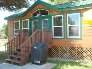 Link to Photo's Deluxe Cabins / linens, full bath, pillow top queen bed