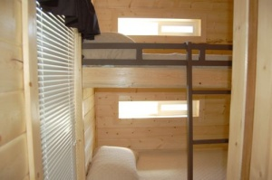 Deluxe Cabin Bunk Bed Room